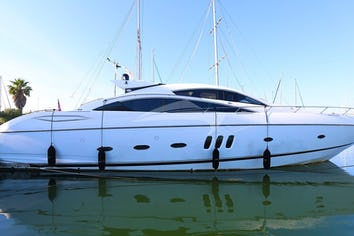 82ft Yacht BLACK ZEN