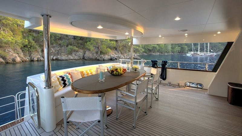 ARCHSEA :: Aft Deck Alfresco Dining