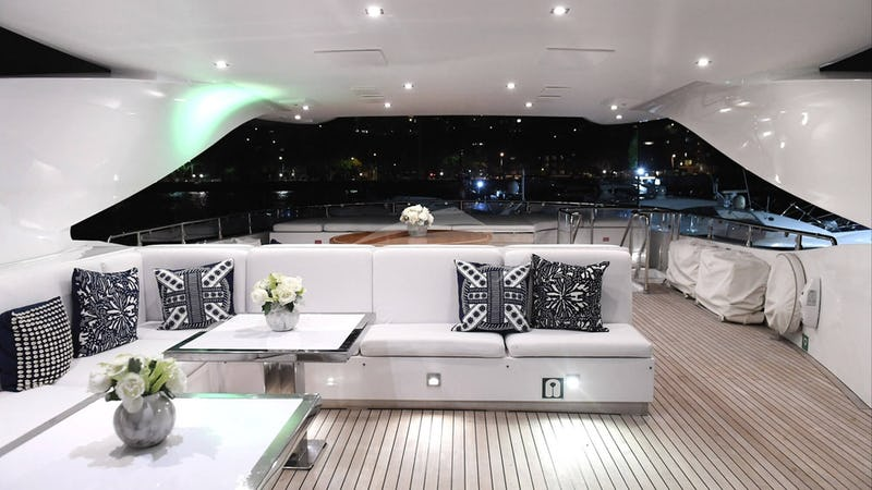INFINITY PACIFIC :: Sundeck at Night