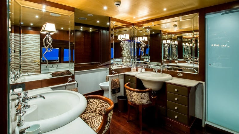 ABILITY :: Master Bathroom