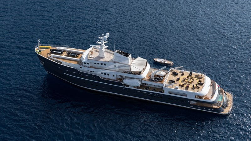 LEGEND Yacht for Charter