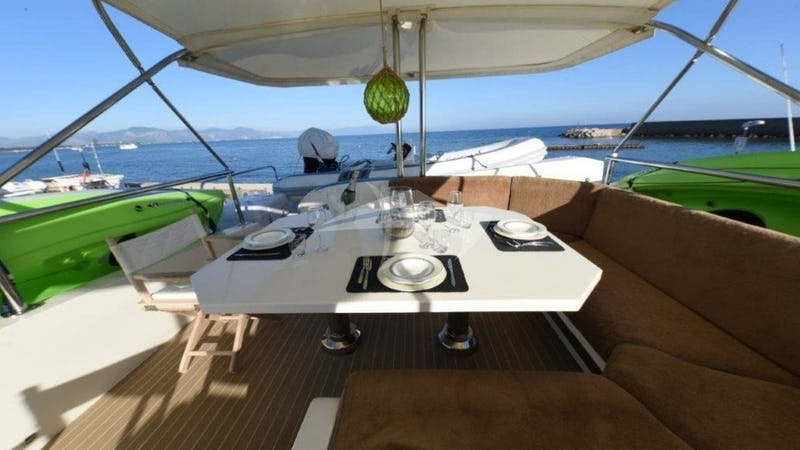 NARIN :: Deck Dining