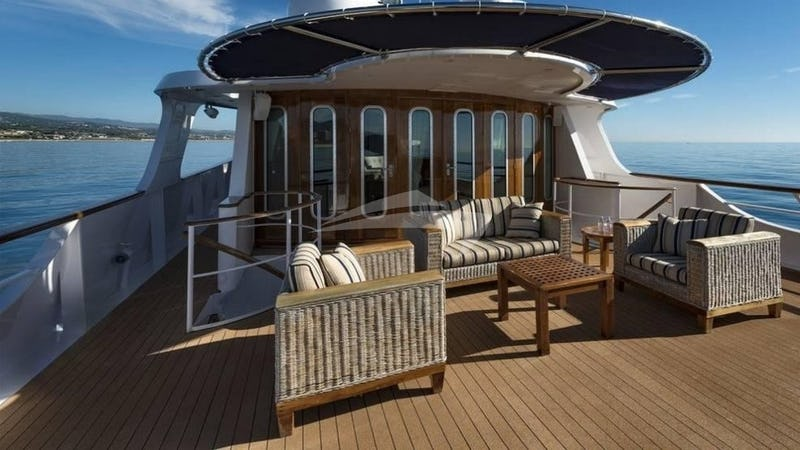 SEA LION :: Deck Seating