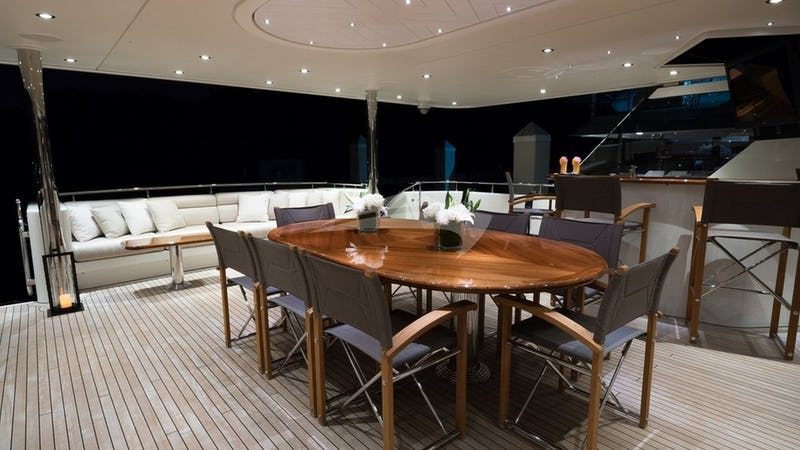 PIPE DREAM :: Aft Deck and Dining Area