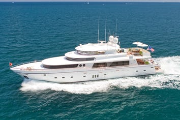 Luxury charter yacht DIAMOND GIRL