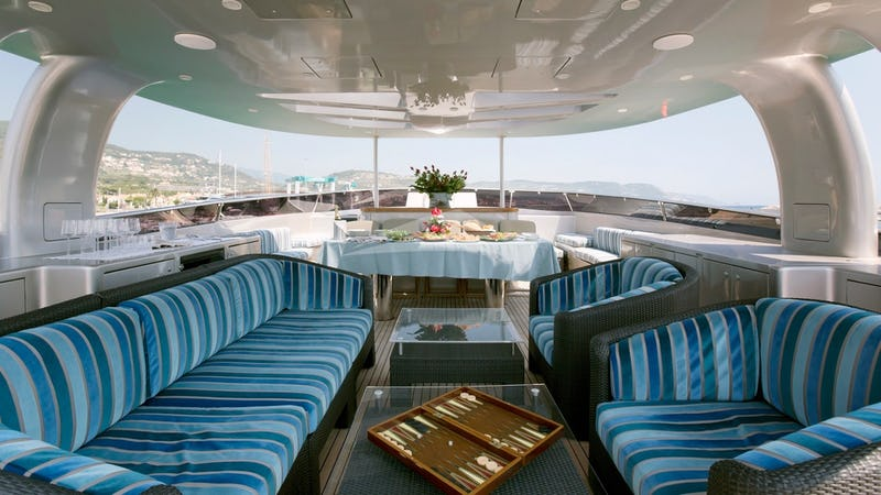 XO OF THE SEAS :: Deck seating area