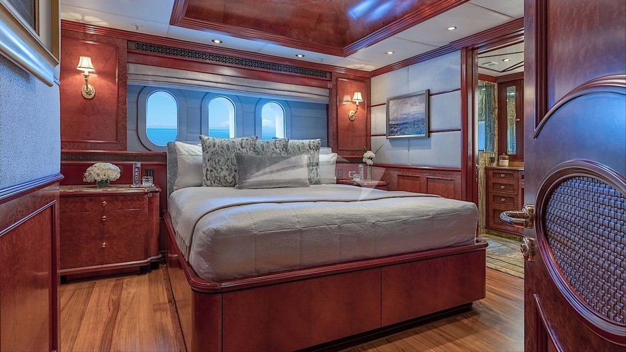 Guest king stateroom - below