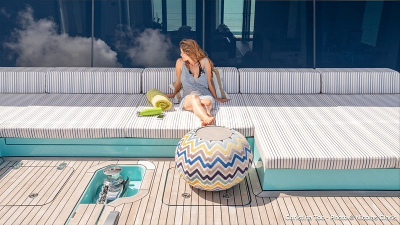 CHRISTINA TOO :: Relax on the fore deck