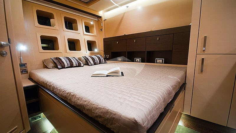 IPHARRA :: VIP cabin - twin or Queen beds