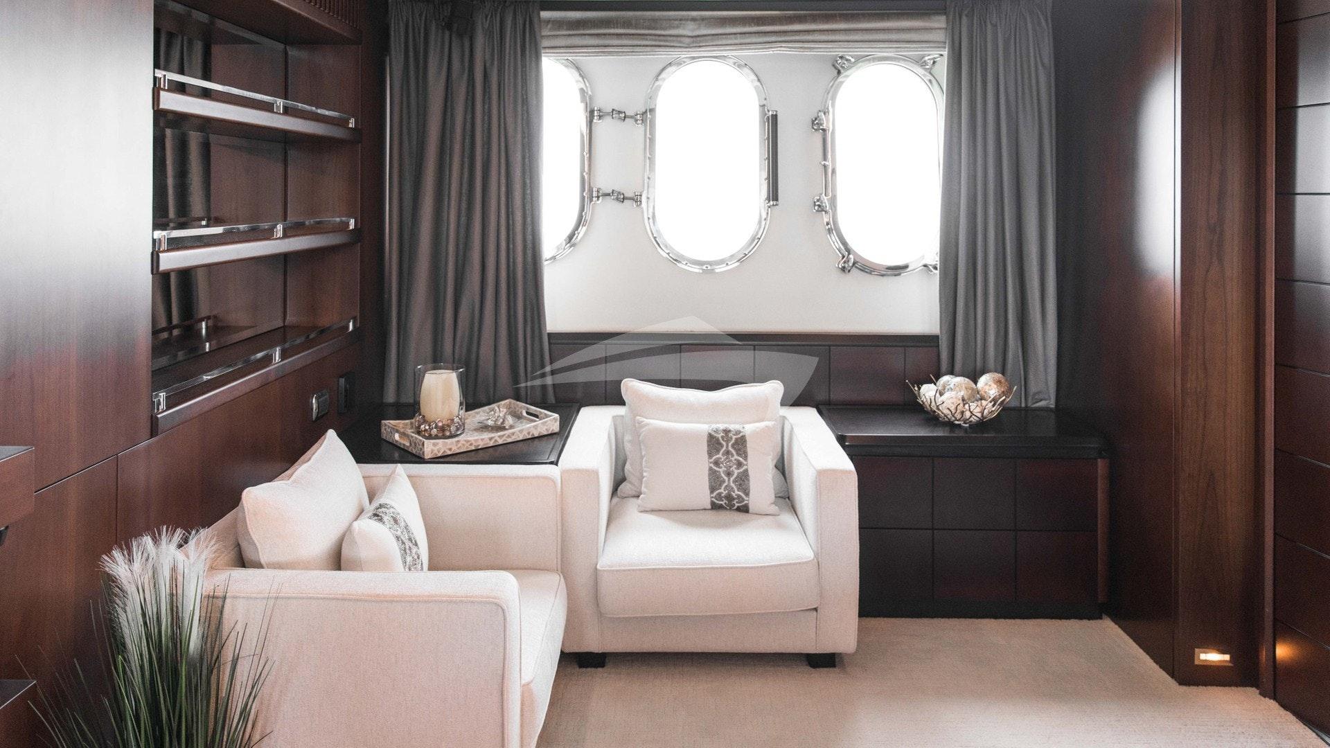 Master Suite Settee