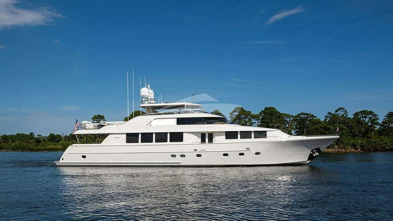 Yacht Charter NOW OR NEVER