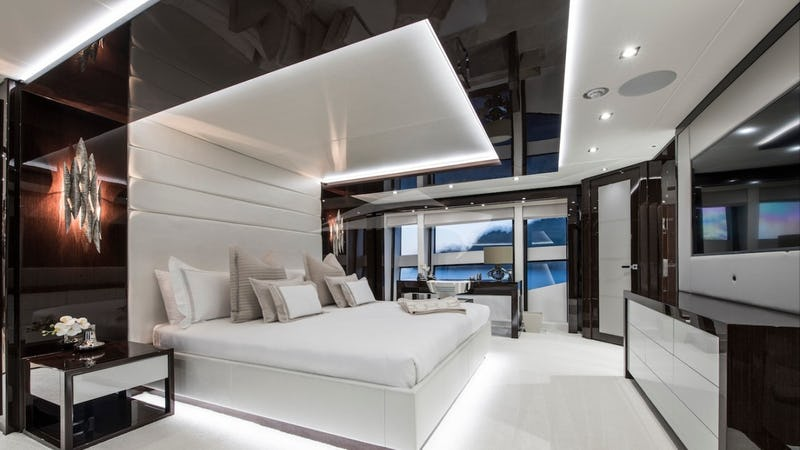BERCO VOYAGER :: Master Stateroom
