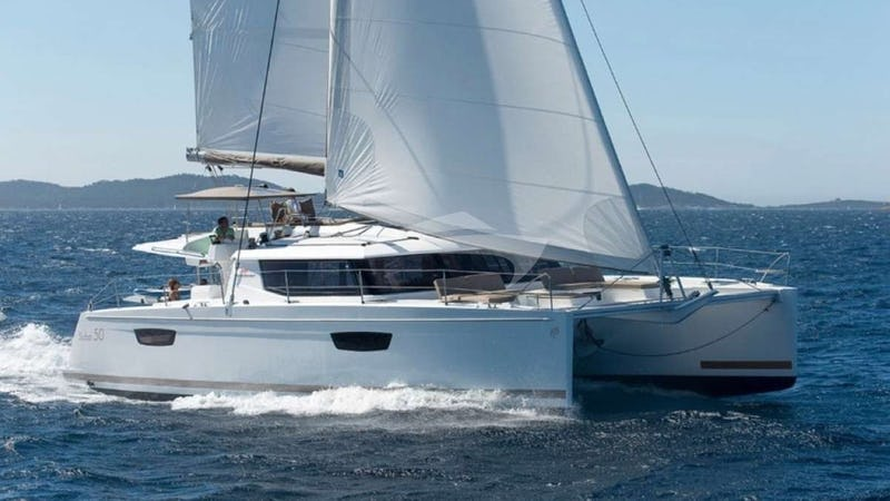 Yacht Charter SOL MATE