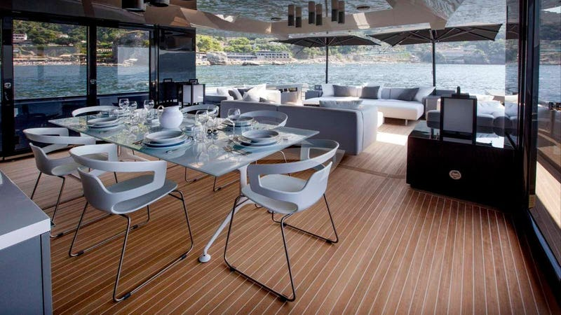 JOY STAR :: Deck Dining
