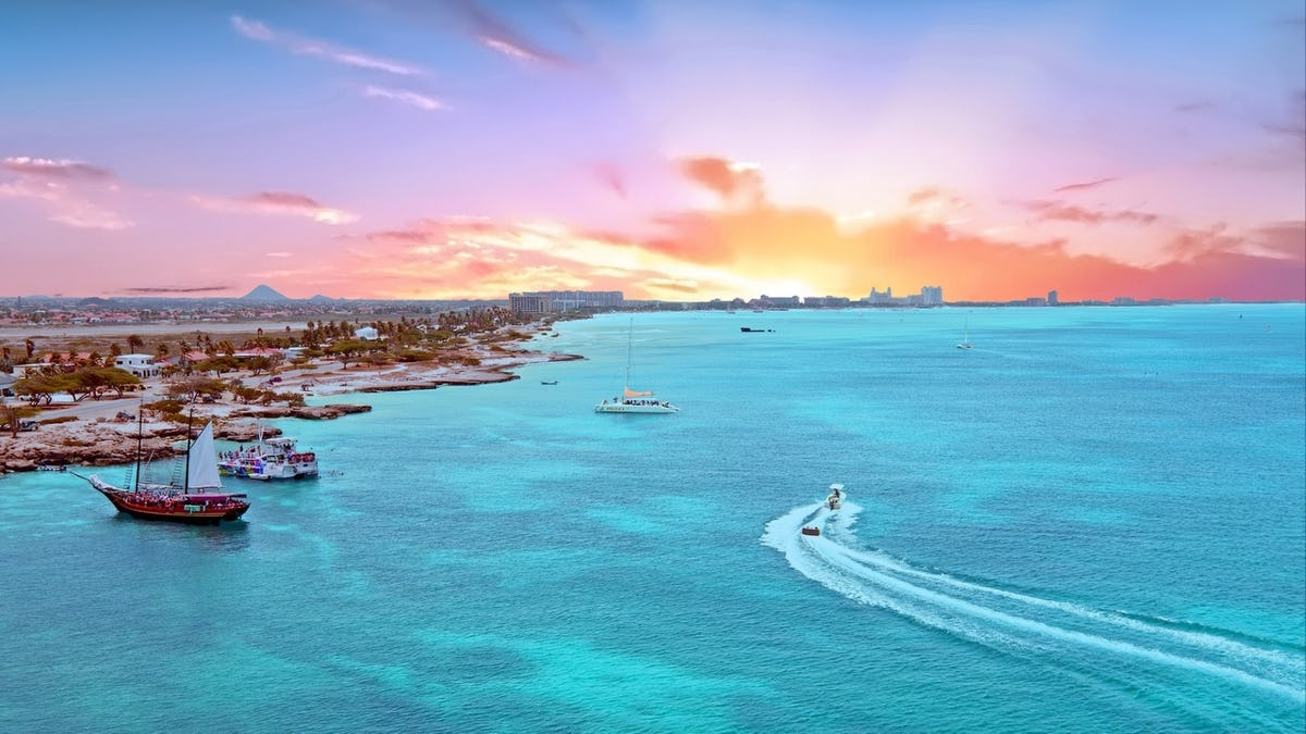 Luxury Yacht Charters - Charter Index