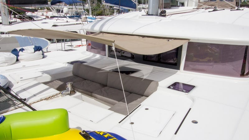 Shaded foredeck seating area