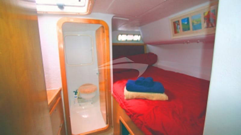 Aft Small Double Cabin & Bathroom
