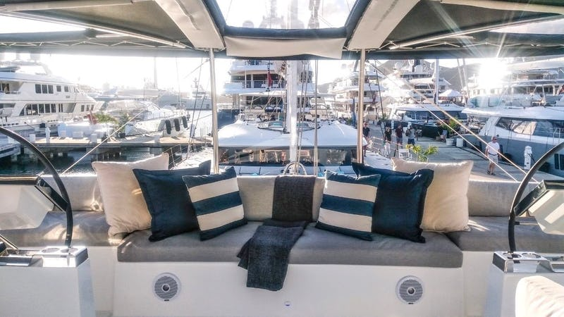 Flybridge seating and the helm stations