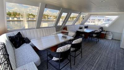 Lounge da popa do deck principal
