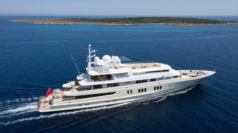 Yacht Charter CORAL OCEAN