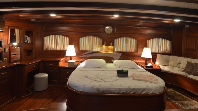 QUEEN OF KARIA :: Master Stateroom