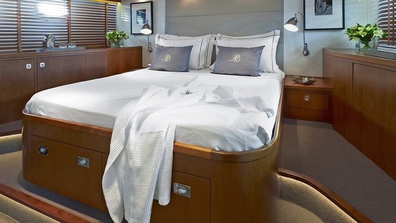 HEAVENLY DAZE :: VIP Stateroom