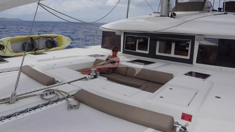 COPPER PENNY :: Foredeck lounging area