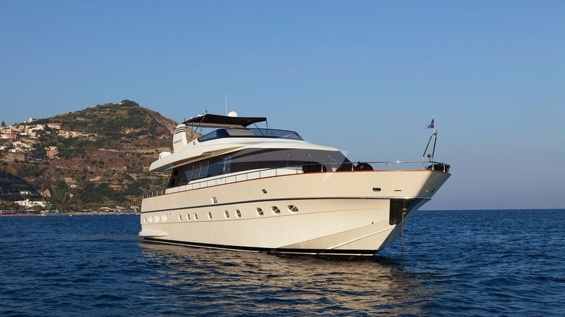 Yacht Charter WHITEHAVEN