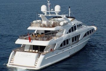 120ft Yacht WILD THYME