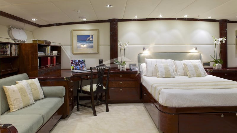 ALLURE A :: Master Stateroom