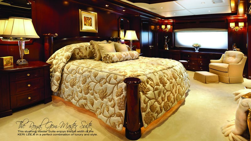 Royal Gem Master Suite