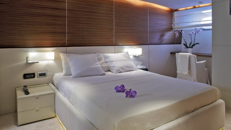 TROPICANA :: Guest Stateroom