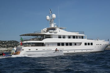 157ft Yacht OUT