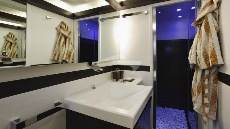 JAJARO :: Master Bathroom