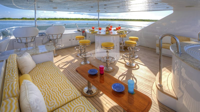 I LOVE THIS BOAT :: Sundeck