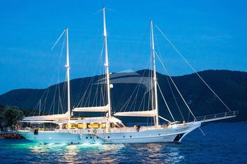 124ft Yacht BELLAMARE