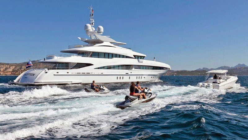 Yacht Charter INCEPTION