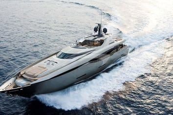 121ft Yacht FUSION