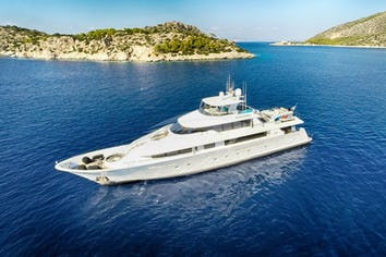 129ft Yacht ENDLESS SUMMER
