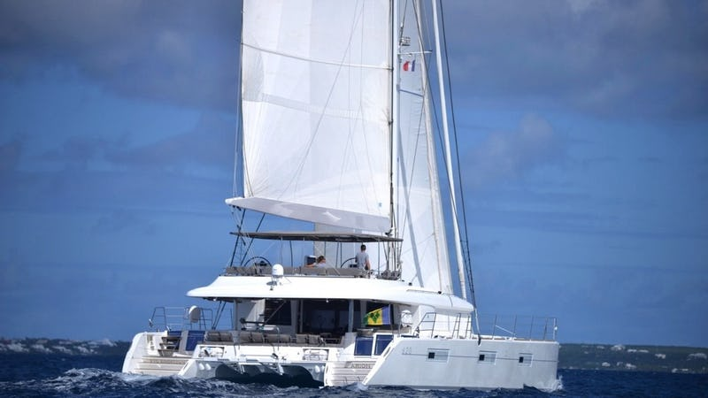 Yacht Charter ARION