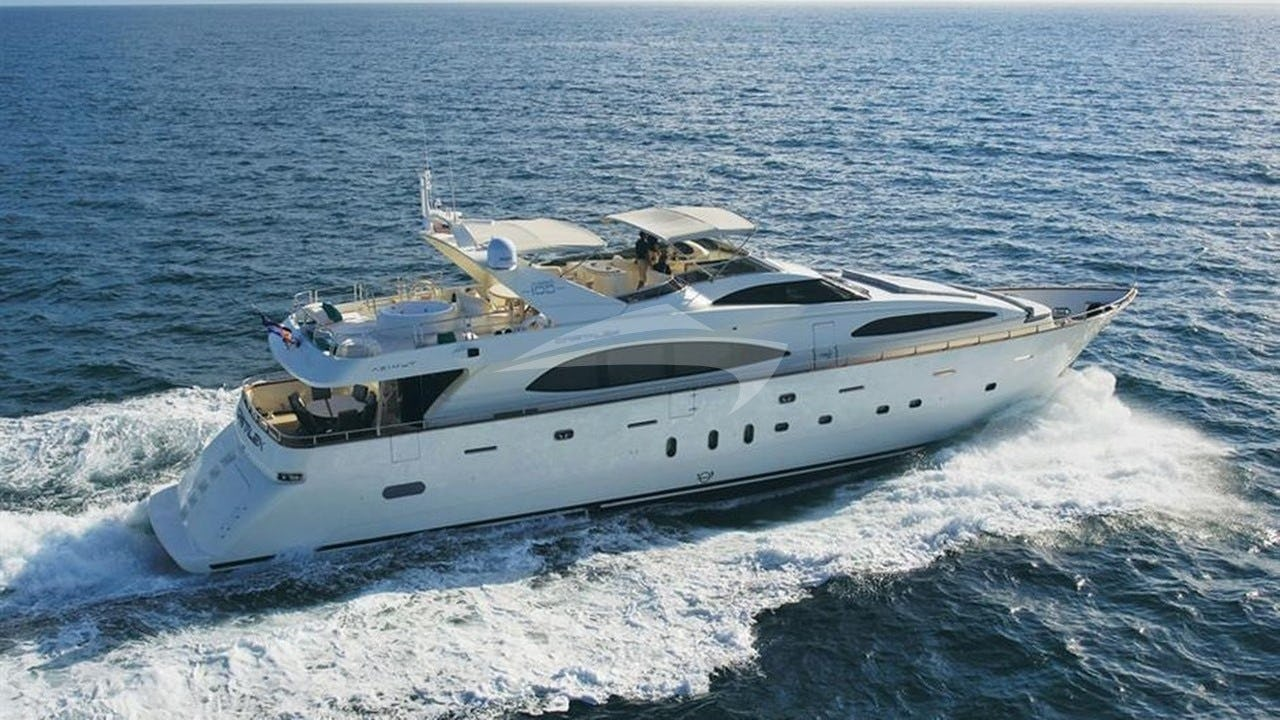 Yacht CRISTALES Charter Yacht