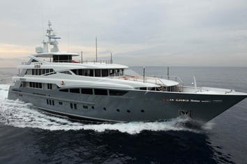 152ft Yacht 2 LADIES