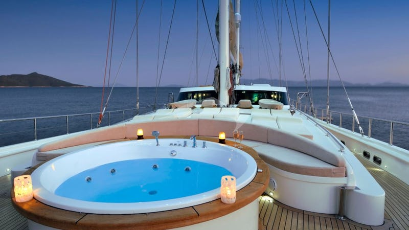 DOLCE MARE :: Deck Jacuzzi
