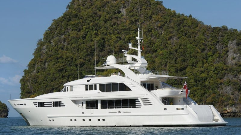 Yacht Charter OASIS