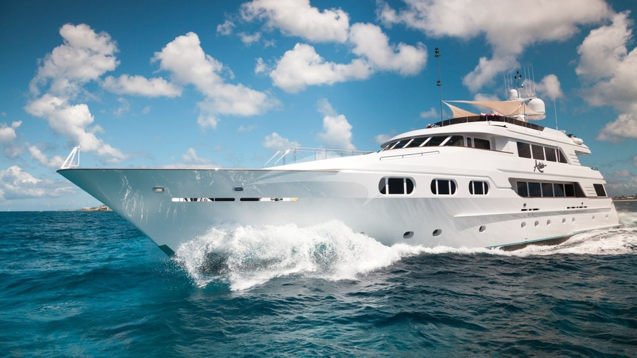 Yacht ATTITUDE Charter Yacht