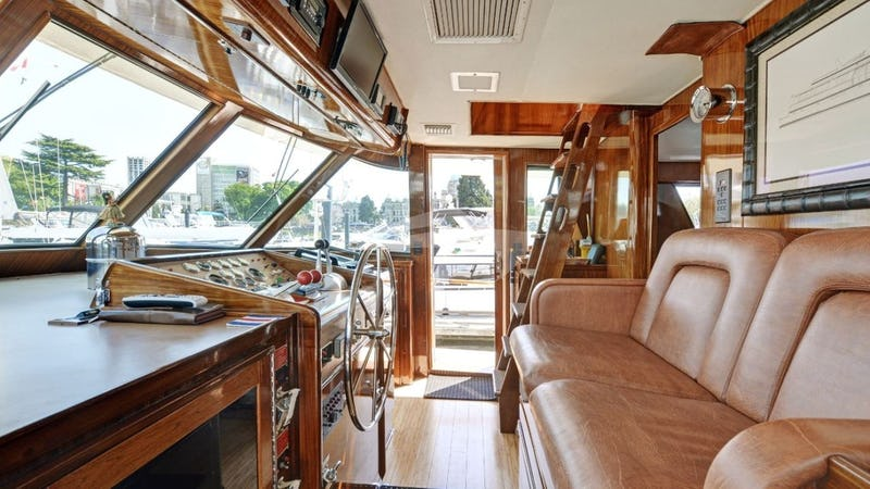 NORTHERN LIGHT :: Pilothouse, ladder to Top Deck