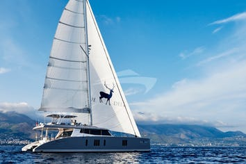 Luxury charter yacht BLUE DEER
