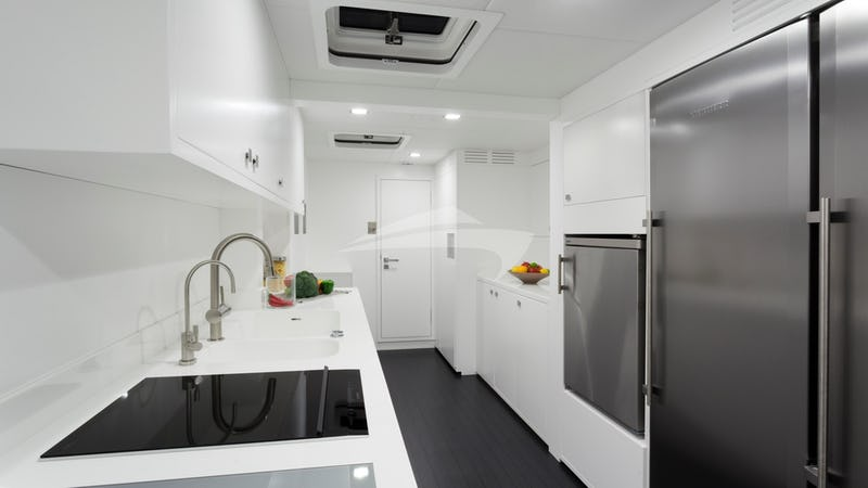 LEVANTE :: Galley