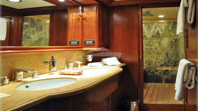 Кормовой VIP-ванной