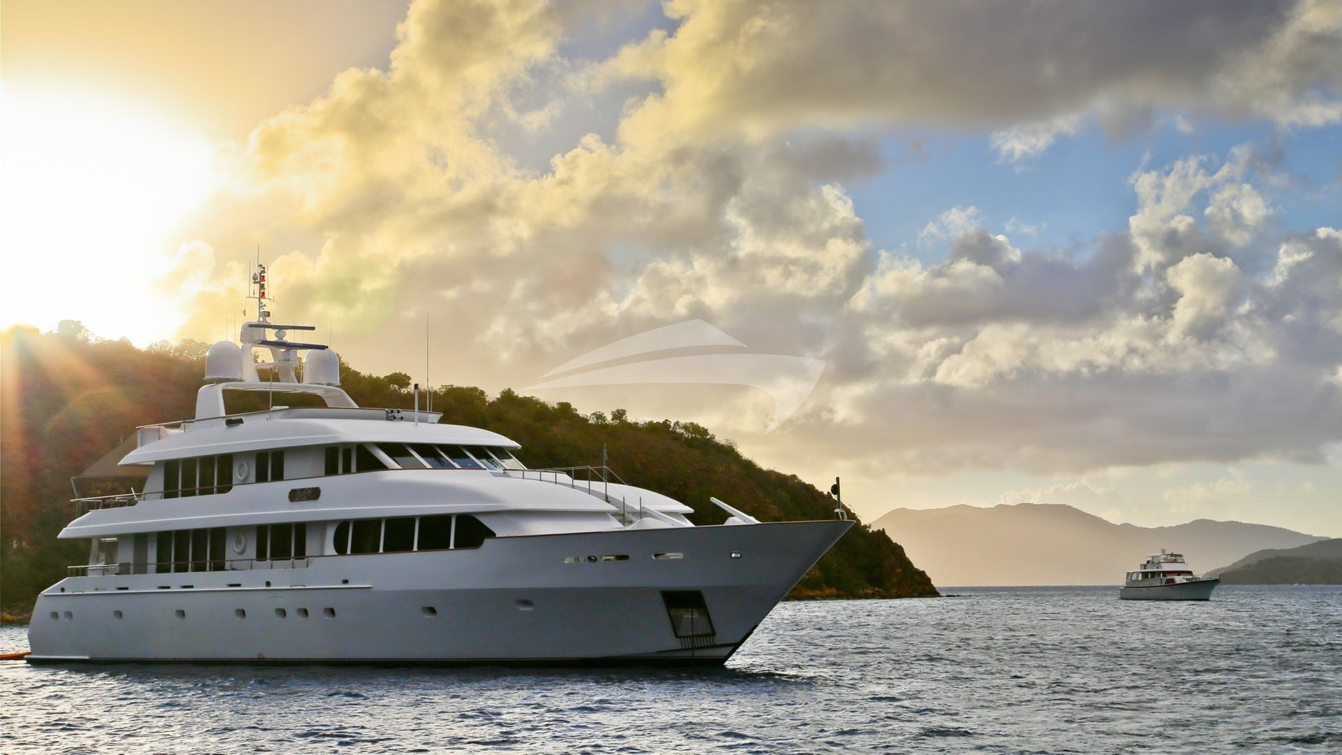 Yacht M4 Charter Yacht